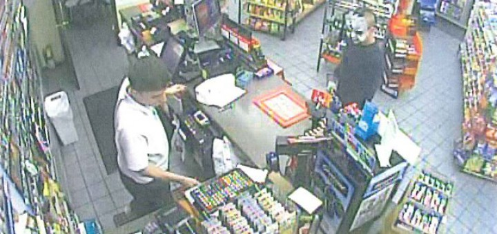 Man robs Clarksville market wearing 'baby face' mask