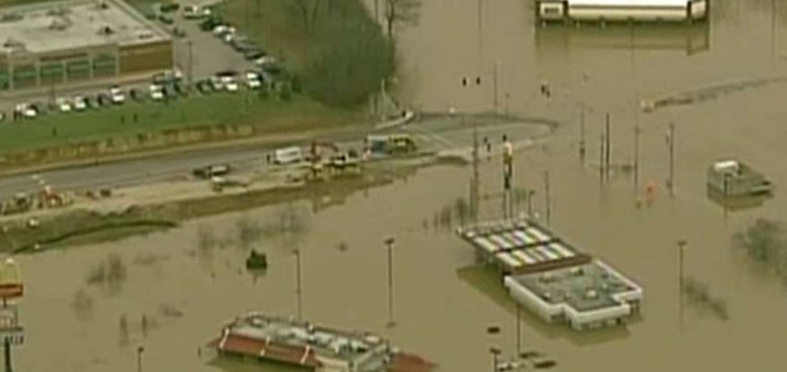 18 DEAD IN FLOODING Towns evacuated as heavy rains slam Miss. River area