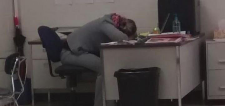 Photo shows teacher allegedly asleep during school detention